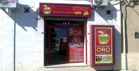 Castellaneta, Via Roma 126